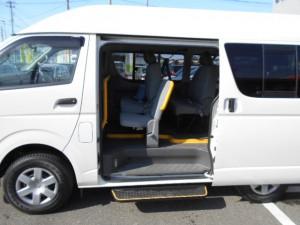 レジアスエース福祉車両-04